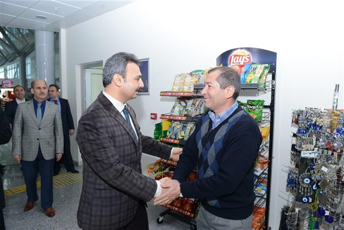 Bekiroğlu, Evi Yanan Aileyi Ziyaret Etti