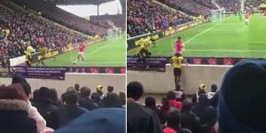 Yıldız futbolcu boşluğa fena düştü