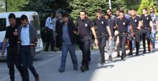 Soruları Sızdıran 18 FETÖ'cü Tutuklandı