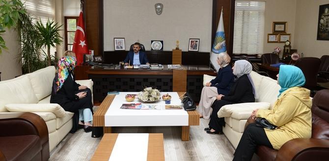 AK Partili Kadınlardan Başkan Külcü'ye Ziyaret