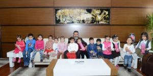 Çocuklardan Başkan Külcü'ye Kur'an Kursu Teşekkürü