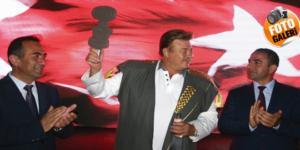 Nuri Alço 'Gazoz Kralı' İlan Edildi