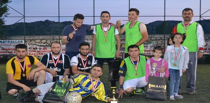 90.Yıl Kupası Ofspor'un