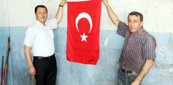 Esnafa '15 Temmuz' Bayrağı