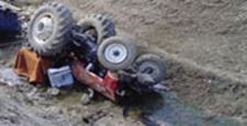 Traktör Dereye Uçtu