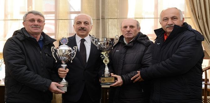 Şampiyonluk Kupası Zeki Gül'de