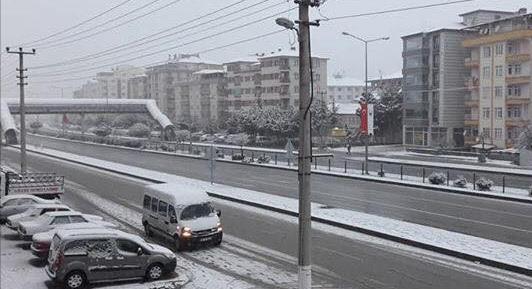 Sungurlu'ya İlk Kar Yağdı