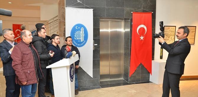 Gazetecileri Duygulandıran Sergi