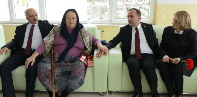 Yaşlıların En Mutlu Günü