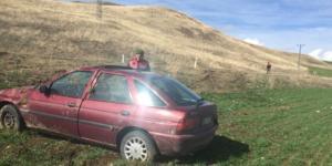 Otomobil Tarlaya Devrildi : 2 Yaralı