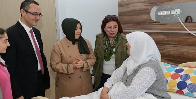 Bayan Gül'den Hastalara Moral