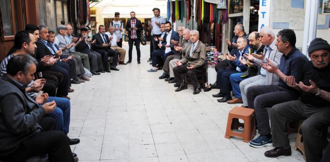 Arasta Esnafı Kandil Duasında Buluştu
