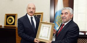 Diyanet'ten Başkan Gül'e Teşekkür Belgesi