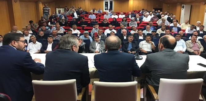 AK Parti Muhtarlarla İstişare Toplantısı Yaptı