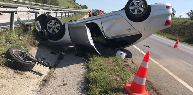Otomobil Bariyerlere Çarptı ; 1'i Ağır, 2 Kişi Yaralandı