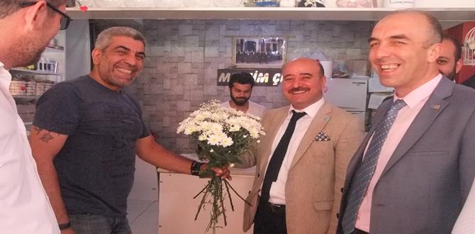 Arslan'a Çiçek Hediyesi