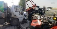 Çöp Kamyonu ile Traktör Çarpıştı: 1 Ölü