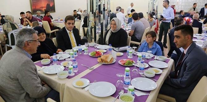 Şehit Aileleri ve Gazilere Yemek