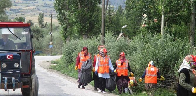 Köylerde Çevre Temizliği Yapılıyor