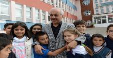 Başkan Gül'e Çocuklardan Sevgi Seli