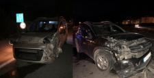 Otomobil ile Kamyonet Çarpıştı: 1 Yaralı
