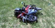 Motosiklet Tarlaya Uçtu: 4 Yaralı