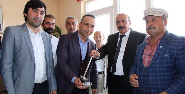 CHP Sungurlu Teşkilatı Aşure Dağıttı