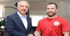 Belediye'den Fatih Erdin'e Ödül Töreni