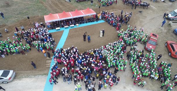 1000 Öğrenci Hep Birlikte Fidan Dikti