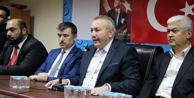 Özkan, Şahiner'i Yine Eleştirdi