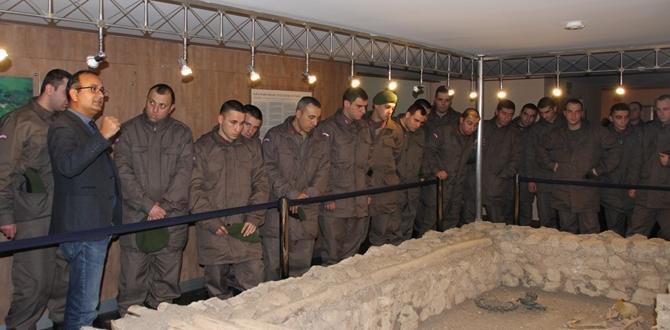 Bedelli Askerler Çorum Müzesini Gezdi