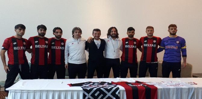 Çorumspor 6 Futbolcuya İmza Attırdı