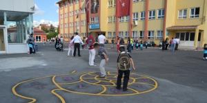 Okulda Oyun Oynarken Yaralandı