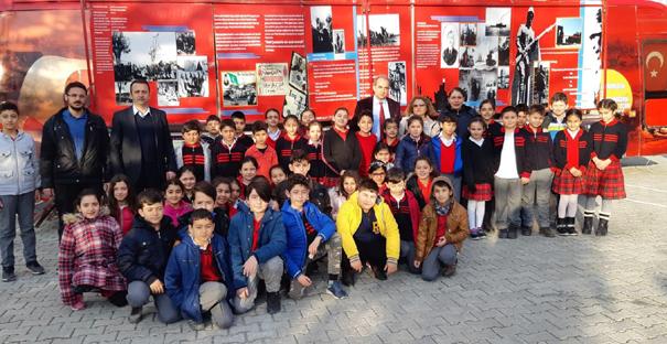 Öğrenciler, 1915 Çanakkale Müzesini Gezdi