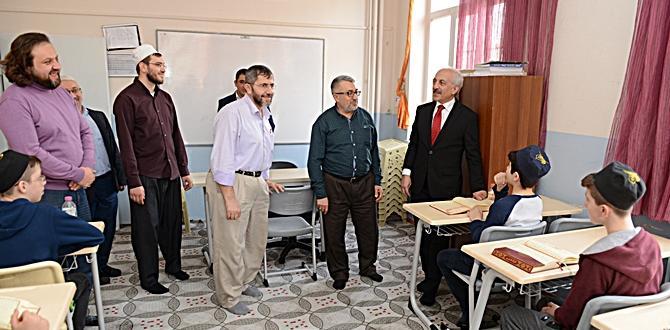 Başkan Gül, Geleceğin Hafızlarını Ziyaret Etti
