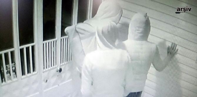 Güvenlik Kameralarına Yakalandılar