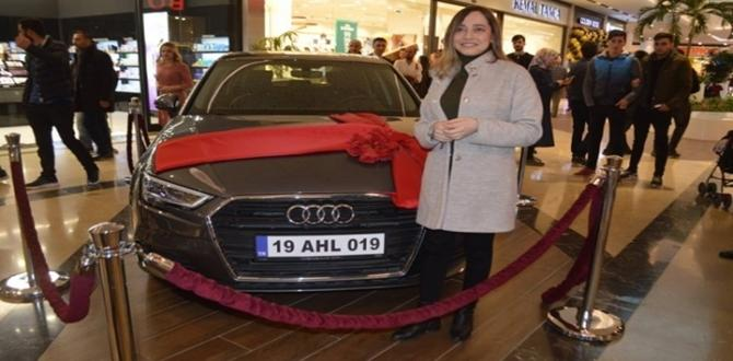 Audi A3'ün Sahibi Genç Kız Oldu