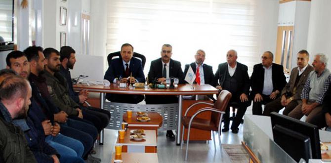 "Ceylan, ""AK Parti'nin Rakibi CHP'dir"""