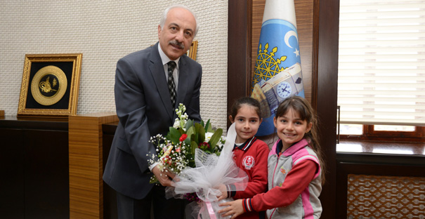 Öğrencilerden Başkan Gül'e Ziyaret