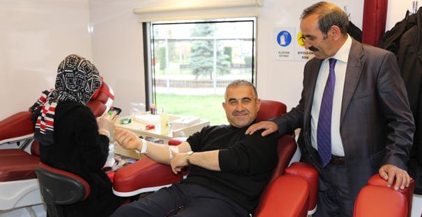 Valilik Personelinden Kan Bağışı
