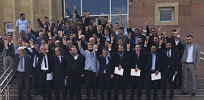 MHP Meclis Üyeleri Mazbatalarını Aldı