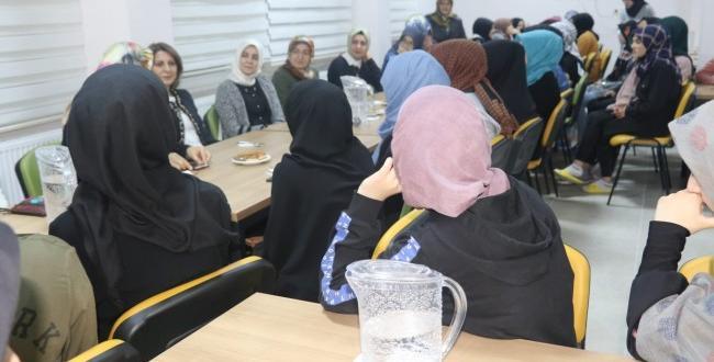 Kız Öğrencilerle Buluştular