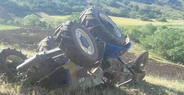 Traktörü Deviren Şahıs, Ağır Yaralandı