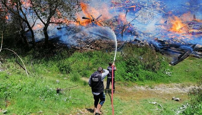 Çorum'da Köy Yangını: 7 Ev Kül Oldu
