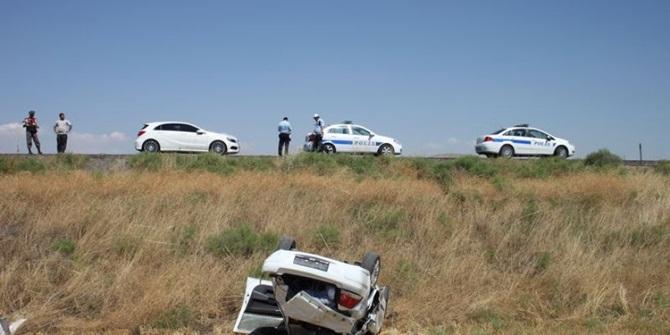 Otomobil Şarampole Yuvarlandı: 1'i Ağır, 2 Yaralı