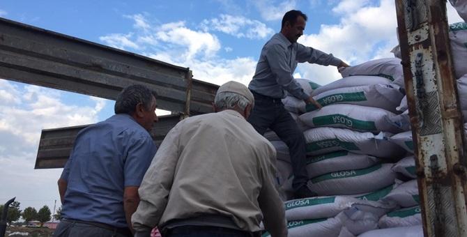 365 Çiftçiye Sertifikalı Tohum Dağıtıldı