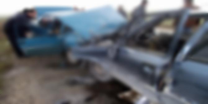 İki Otomobil Çarpıştı : 2 Yaralı