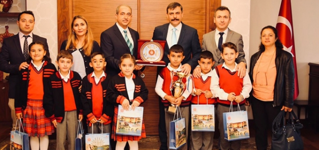 Türkiye Şampiyonları Vali'yi Ziyaret Etti