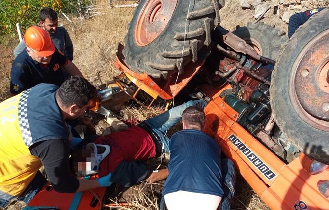 Traktör Devrildi : 2 Kişi Yaralandı, 1 Kişi Öldü