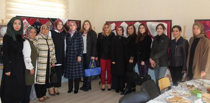 Protokol Eşlerinden Ortaköy'e Ziyaret